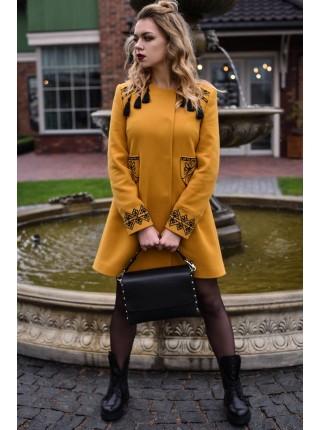 Пальто «Злато» кольору охри