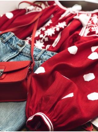 Жіноча вишиванка червона