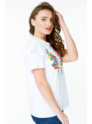 Жіноча вишита футболка біла