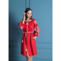 Червона лляна вишита сукня
