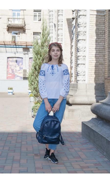 Вишиванка для дівчинки з синьою вишивкою, ромби