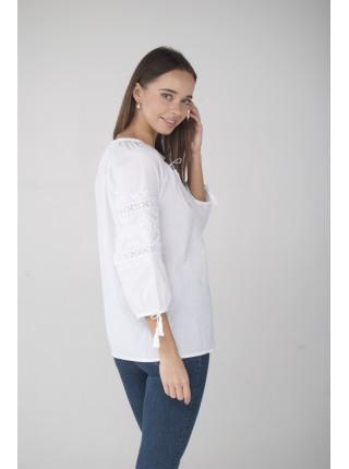 Жіноча вишиванка біла по білому
