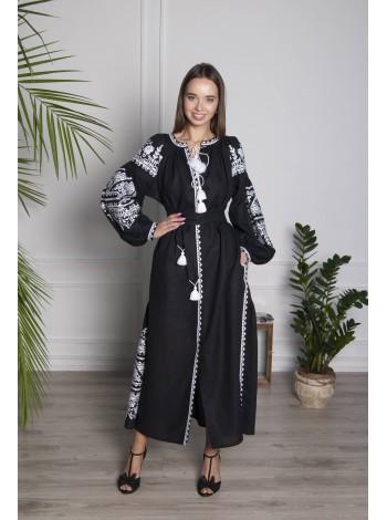 Лляна чорна сукня з білим орнаментом