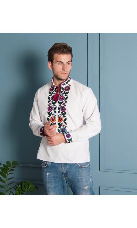 Чоловіча вишиванка з квітковою вишивкою біла