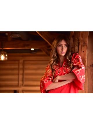 Червона сукня із квітковим орнаментом