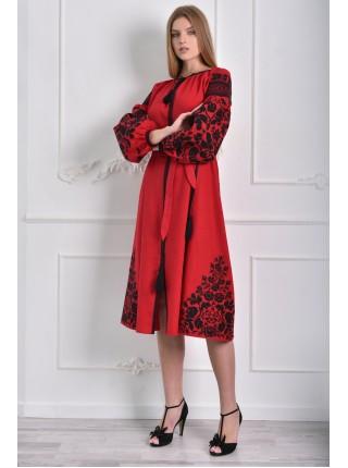 Сукня червона з ефектною вишивкою