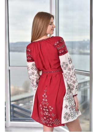 Червоно-бежева сукня з вишивкою