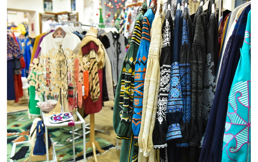 Купити вишиванку онлайн чи в магазині