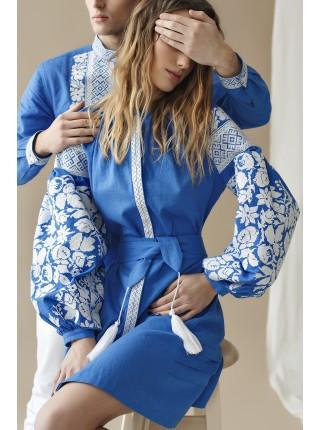 Вишита сукня на синьому льоні