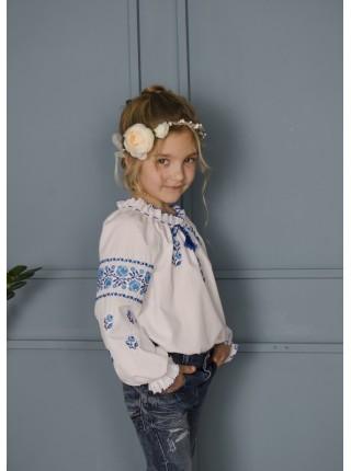 Вишиванка для дівчинки з синьою вишивкою