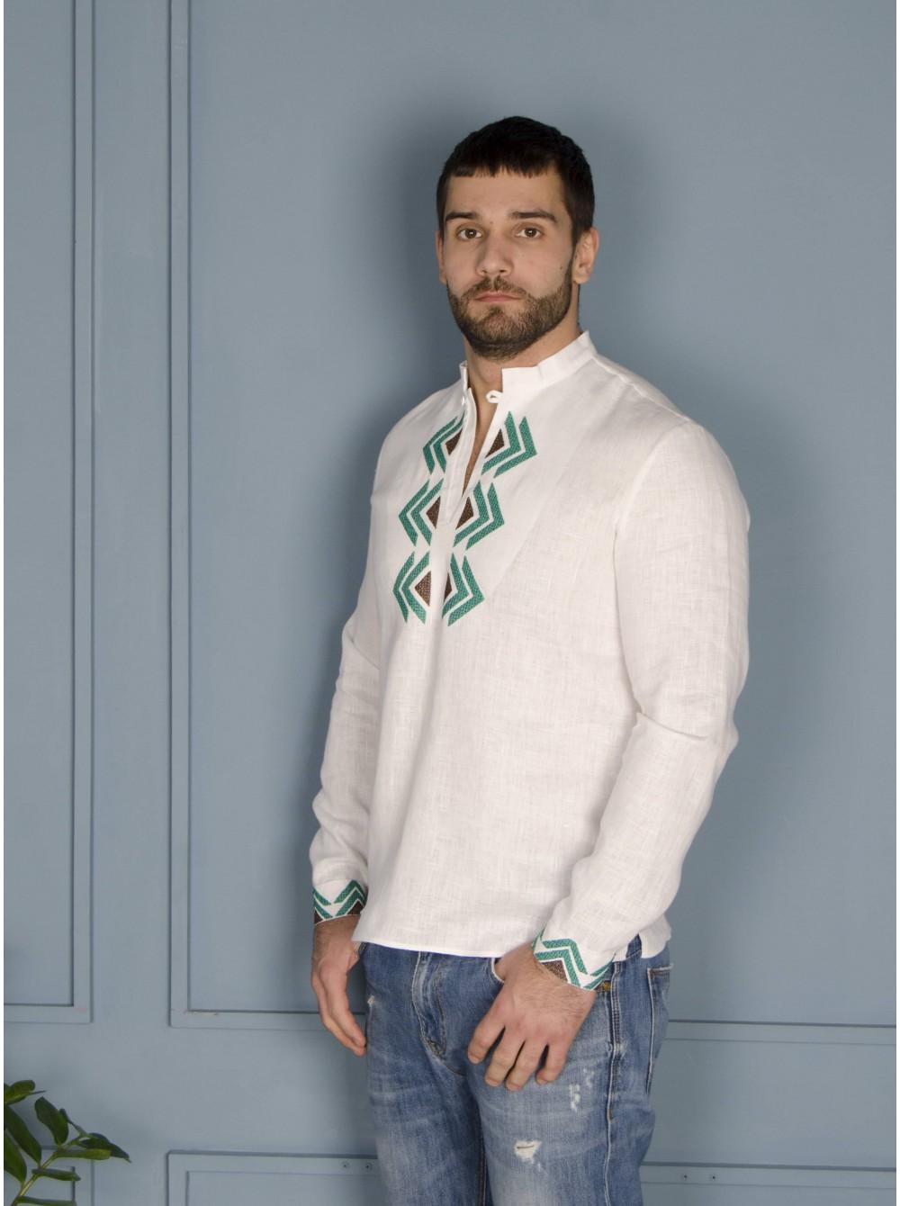 5645bae77f18c3 Чоловіча вишиванка з зеленою вишивкою - etno-vyshyvanka.com