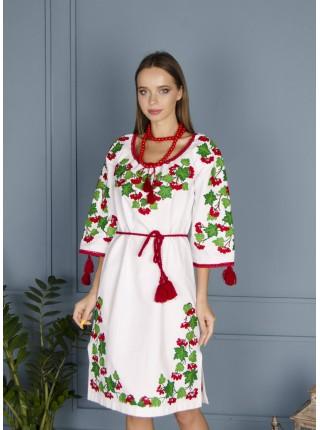Біла лляна сукня з калиною