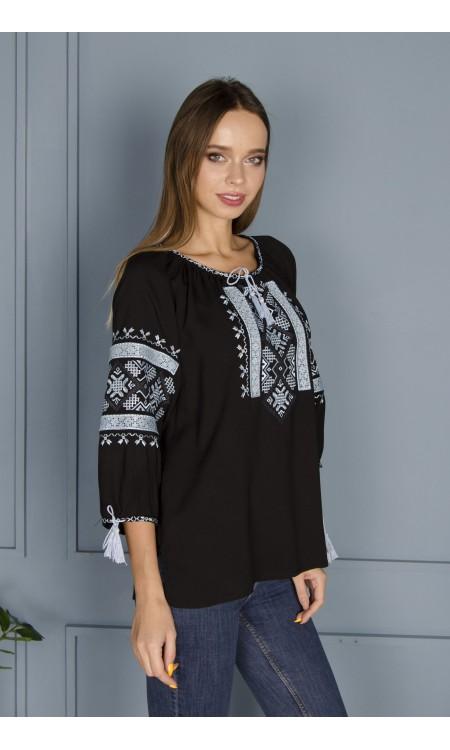 Жіноча вишиванка чорна з вишивкою