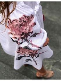 Сукня  лляна біла з червоними вишитими квітами