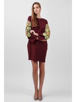 Вишукана сукня кольору марсала